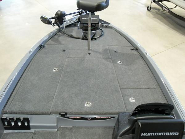 2021 Phoenix boat for sale, model of the boat is 920 Elite & Image # 14 of 22