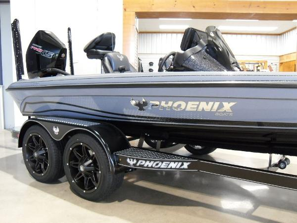 2021 Phoenix boat for sale, model of the boat is 920 Elite & Image # 17 of 22