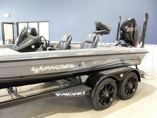 2021 Phoenix boat for sale, model of the boat is 920 Elite & Image # 21 of 22