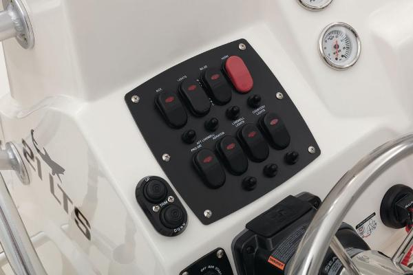 2021 Mako boat for sale, model of the boat is 21 LTS & Image # 43 of 61