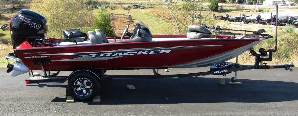 2020 Tracker Boats boat for sale, model of the boat is Pro Team™ 195 TXW Tournament Ed. & Image # 1 of 16