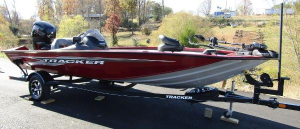 2020 Tracker Boats boat for sale, model of the boat is Pro Team™ 195 TXW Tournament Ed. & Image # 2 of 16