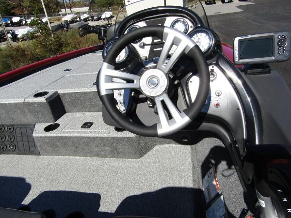 2020 Tracker Boats boat for sale, model of the boat is Pro Team™ 195 TXW Tournament Ed. & Image # 3 of 16