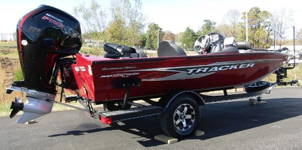 2020 Tracker Boats boat for sale, model of the boat is Pro Team™ 195 TXW Tournament Ed. & Image # 4 of 16