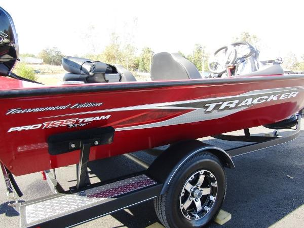 2020 Tracker Boats boat for sale, model of the boat is Pro Team™ 195 TXW Tournament Ed. & Image # 12 of 16
