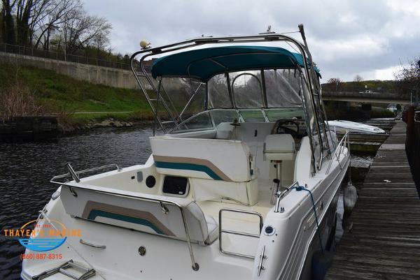 1996 Rinker boat for sale, model of the boat is Fiesta Vee 265 & Image # 5 of 62