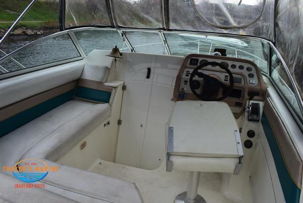 1996 Rinker boat for sale, model of the boat is Fiesta Vee 265 & Image # 6 of 62