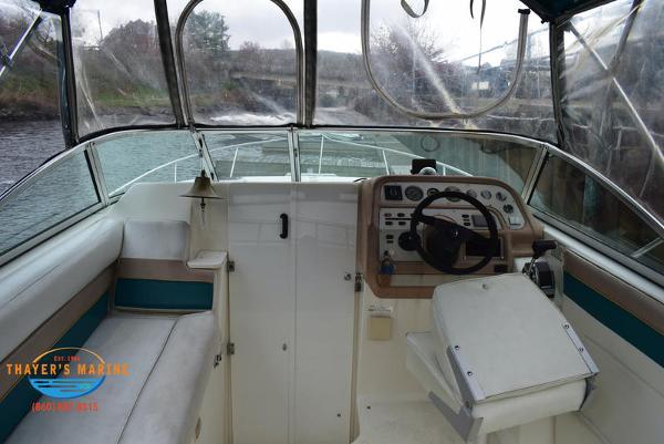 1996 Rinker boat for sale, model of the boat is Fiesta Vee 265 & Image # 7 of 62