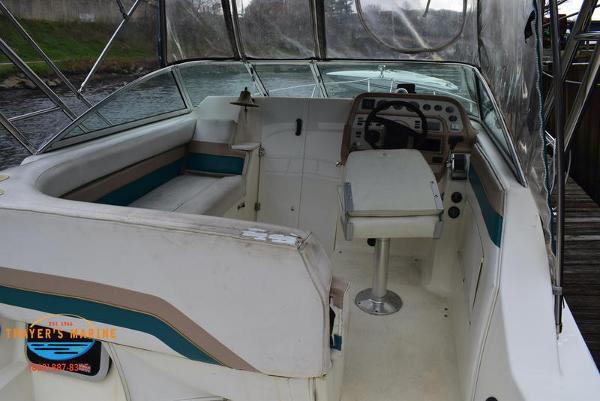 1996 Rinker boat for sale, model of the boat is Fiesta Vee 265 & Image # 8 of 62