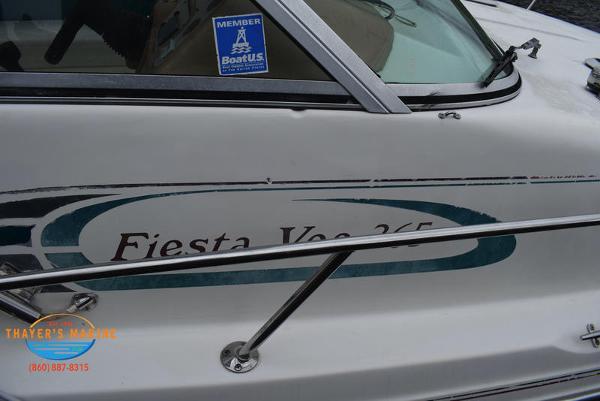 1996 Rinker boat for sale, model of the boat is Fiesta Vee 265 & Image # 9 of 62