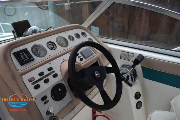 1996 Rinker boat for sale, model of the boat is Fiesta Vee 265 & Image # 11 of 62