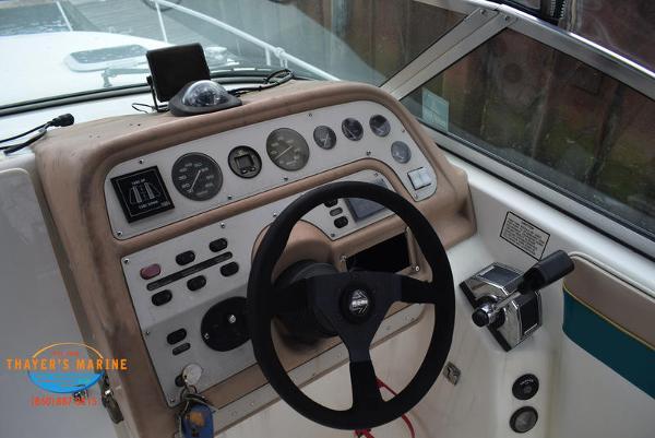 1996 Rinker boat for sale, model of the boat is Fiesta Vee 265 & Image # 15 of 62