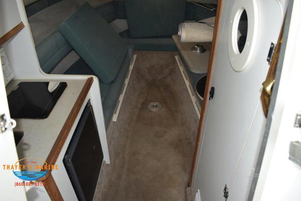 1996 Rinker boat for sale, model of the boat is Fiesta Vee 265 & Image # 17 of 62