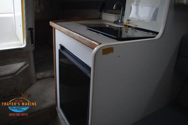 1996 Rinker boat for sale, model of the boat is Fiesta Vee 265 & Image # 19 of 62