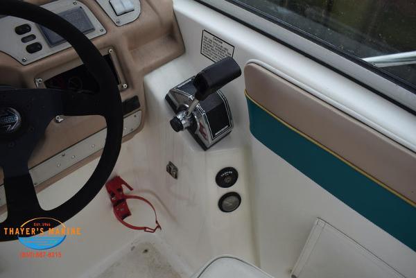 1996 Rinker boat for sale, model of the boat is Fiesta Vee 265 & Image # 26 of 62