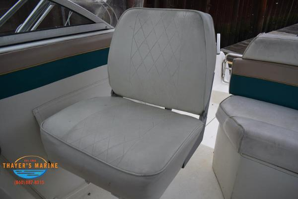 1996 Rinker boat for sale, model of the boat is Fiesta Vee 265 & Image # 29 of 62