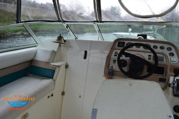 1996 Rinker boat for sale, model of the boat is Fiesta Vee 265 & Image # 30 of 62