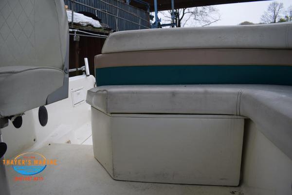 1996 Rinker boat for sale, model of the boat is Fiesta Vee 265 & Image # 34 of 62
