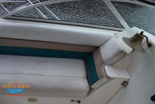 1996 Rinker boat for sale, model of the boat is Fiesta Vee 265 & Image # 36 of 62