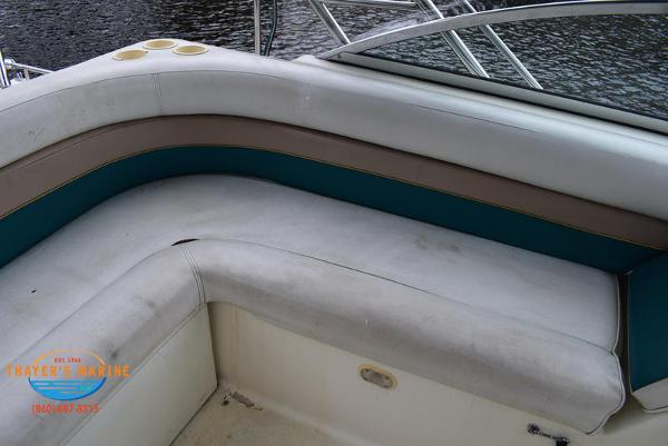 1996 Rinker boat for sale, model of the boat is Fiesta Vee 265 & Image # 37 of 62