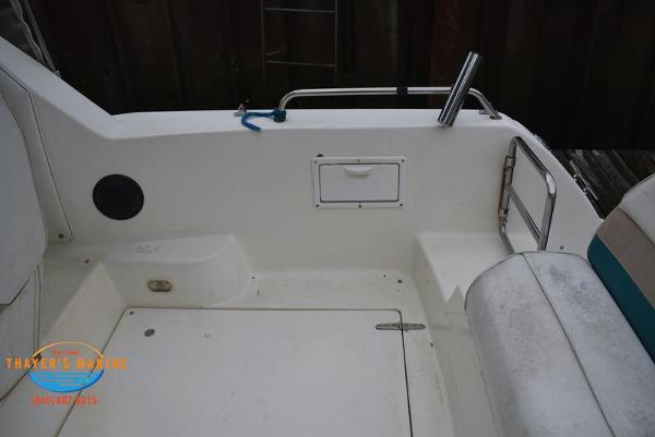 1996 Rinker boat for sale, model of the boat is Fiesta Vee 265 & Image # 40 of 62