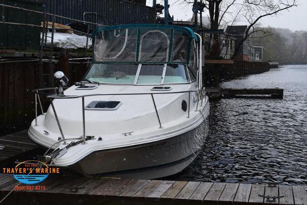 1996 Rinker boat for sale, model of the boat is Fiesta Vee 265 & Image # 46 of 62