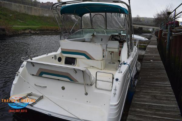 1996 Rinker boat for sale, model of the boat is Fiesta Vee 265 & Image # 47 of 62