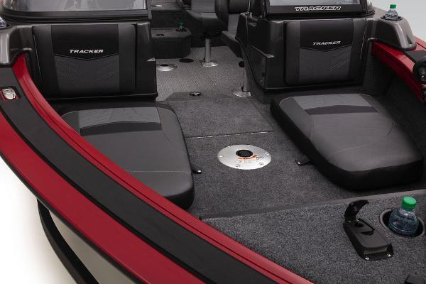 2022 Tracker Boats boat for sale, model of the boat is Targa™ V-19 Combo & Image # 16 of 47