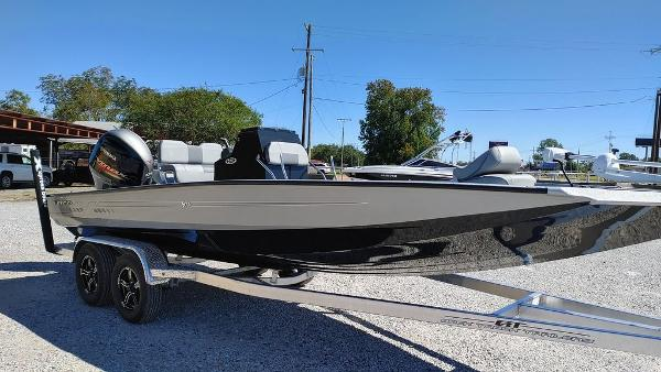 2021 Xpress boat for sale, model of the boat is H22B & Image # 10 of 10