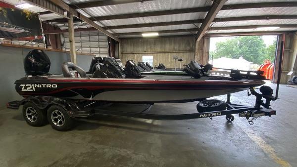 2020 Nitro boat for sale, model of the boat is Z21 & Image # 1 of 4