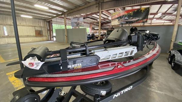 2020 Nitro boat for sale, model of the boat is Z21 & Image # 2 of 4