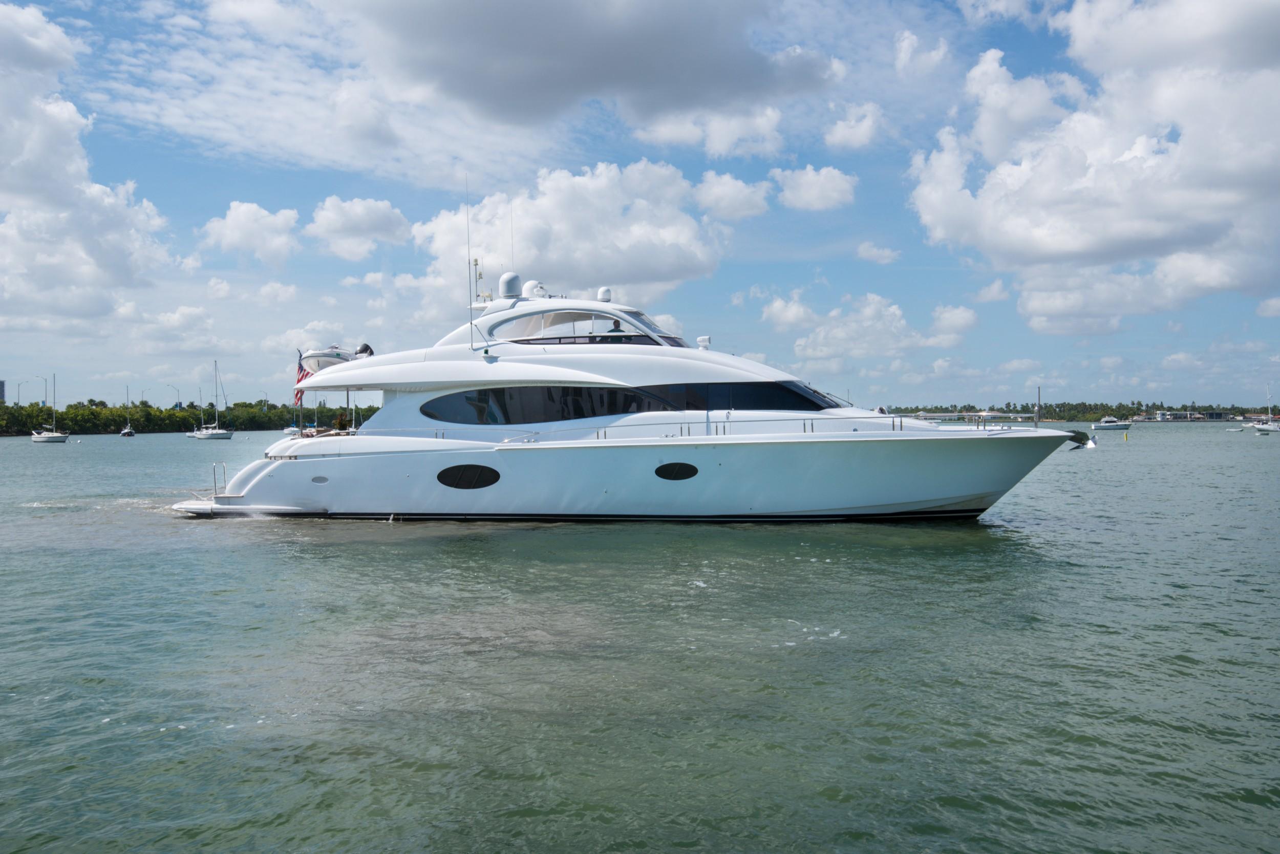 84' Lazzara Yachts 2007