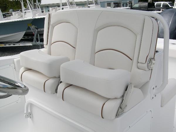 Gamefish 27 Forward Seat Photo 25
