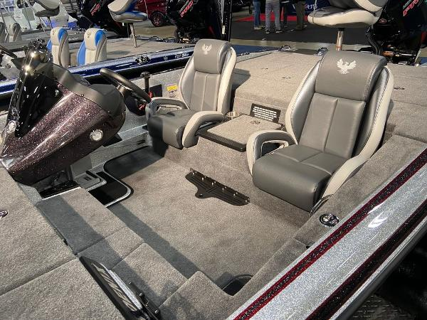 2021 Phoenix boat for sale, model of the boat is 721 ProXP & Image # 2 of 4