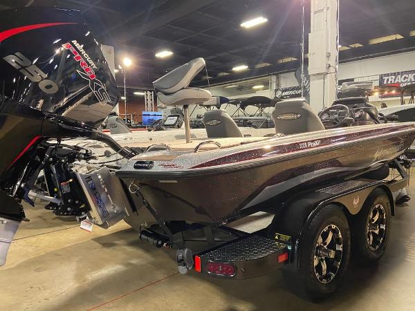 2021 Phoenix boat for sale, model of the boat is 721 ProXP & Image # 3 of 4