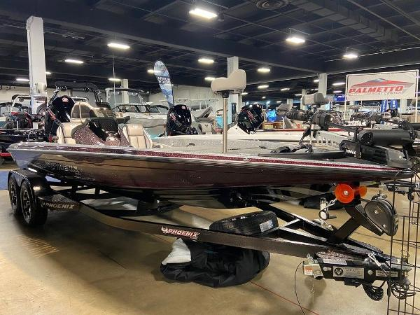 2021 Phoenix boat for sale, model of the boat is 721 ProXP & Image # 4 of 4
