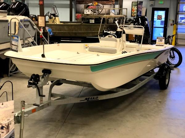2021 Mako boat for sale, model of the boat is Pro Skiff 17 CC & Image # 1 of 41