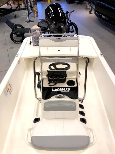 2021 Mako boat for sale, model of the boat is Pro Skiff 17 CC & Image # 8 of 41