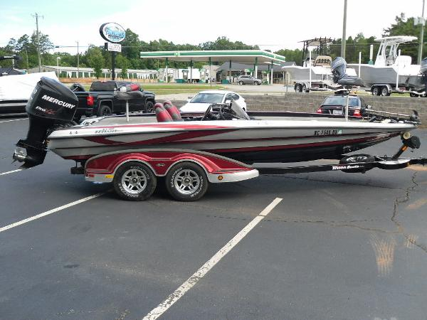 2011 Triton boat for sale, model of the boat is 21XS Elite & Image # 2 of 20