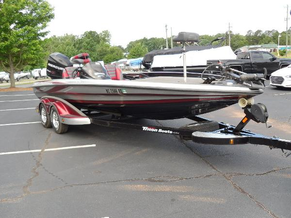 2011 Triton boat for sale, model of the boat is 21XS Elite & Image # 4 of 20