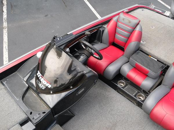 2011 Triton boat for sale, model of the boat is 21XS Elite & Image # 12 of 20