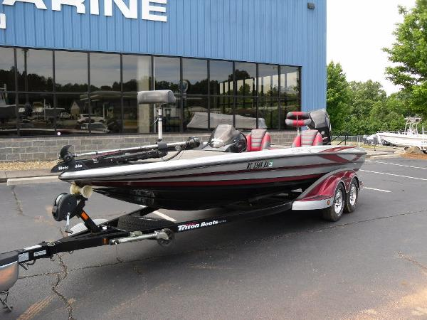 2011 Triton boat for sale, model of the boat is 21XS Elite & Image # 14 of 20