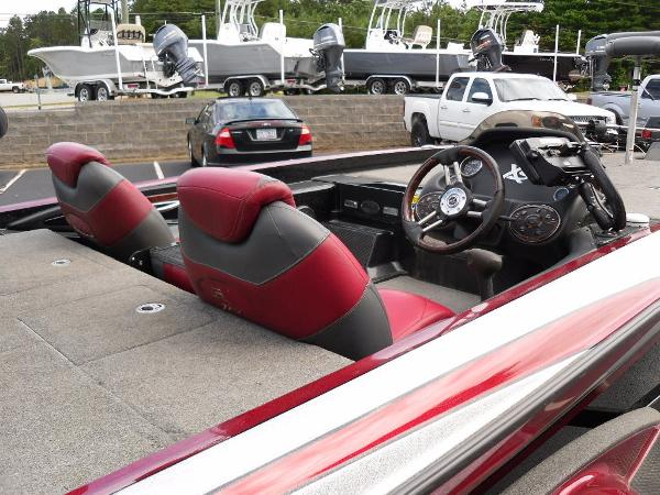 2011 Triton boat for sale, model of the boat is 21XS Elite & Image # 15 of 20
