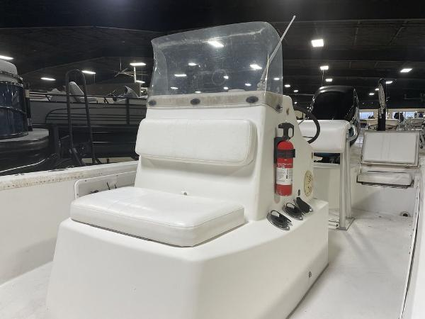 2005 Kenner boat for sale, model of the boat is VISION & Image # 9 of 10