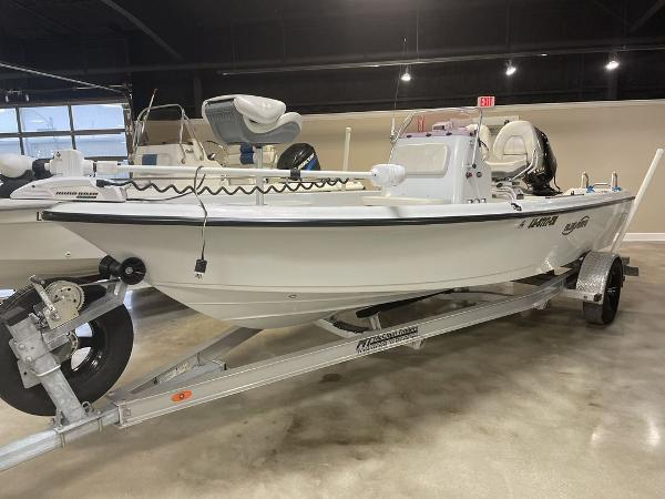 2018 Blue Wave boat for sale, model of the boat is 2000 SL BAY & Image # 1 of 15