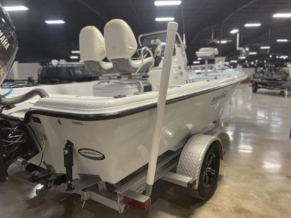 2018 Blue Wave boat for sale, model of the boat is 2000 SL BAY & Image # 3 of 15
