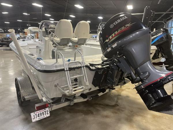 2018 Blue Wave boat for sale, model of the boat is 2000 SL BAY & Image # 6 of 15