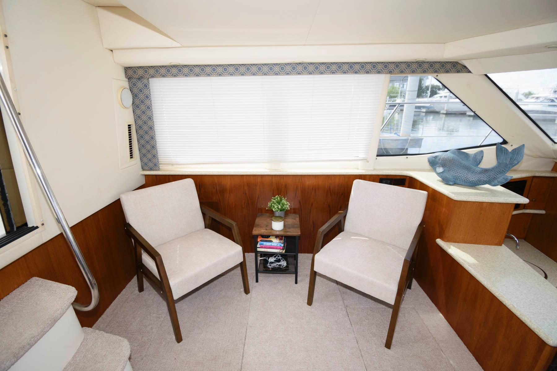 M 6522 KT Knot 10 Yacht Sales