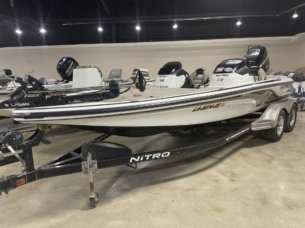 2012 Nitro boat for sale, model of the boat is Z8 & Image # 1 of 12