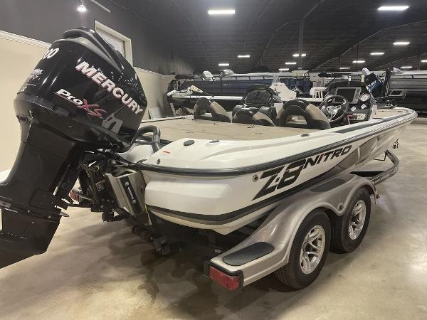 2012 Nitro boat for sale, model of the boat is Z8 & Image # 8 of 12